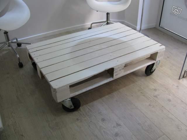Table en palette esprit loft industriel - Palette sur roulette ...